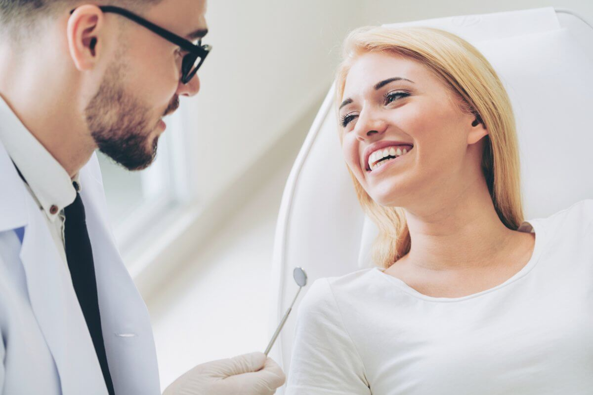 woman seeing dentist